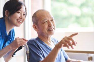 老人ホームと介護士